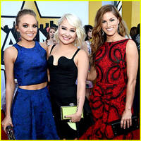 Cassadee Pope & Danielle Bradbery Represent 'The Voice' at ACM Awards 2015!